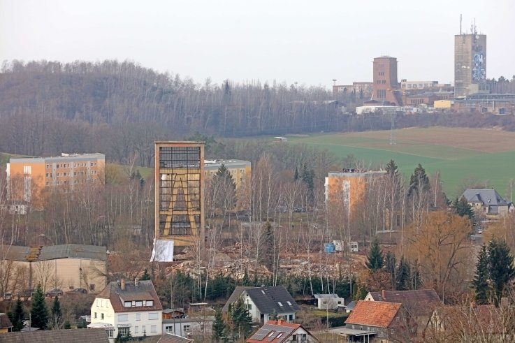 Der Turm von Schacht IX hatte nicht so ein Glück wie seine Brüder oben.
