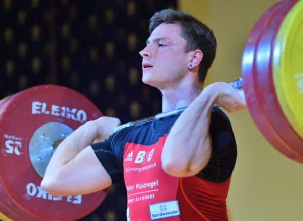 Max Lang gewann souverän den Meistertitel in der Klasse bis 77 Kilogramm.