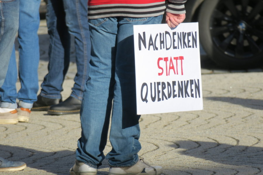 120 Teilnehmer bei Kundgebung auf dem Zwönitzer Markt
