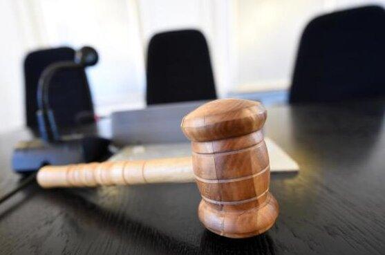 Mann aus Mylau erhält vom Amtsgericht Auerbach Bewährungsstrafe wegen Kinderpornos.