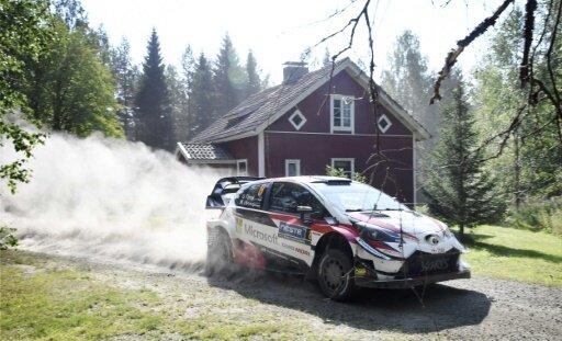 Ott Tänäk liegt mit seinem Toyota weiter in Front