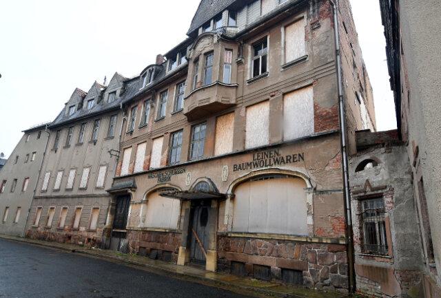Die ehemalige Wäsche- und Schürzenfabrik in Mittweida wird ab sofort saniert.