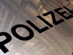 Unbekannter beraubt 24-Jährigen - Polizei sucht Zeugen