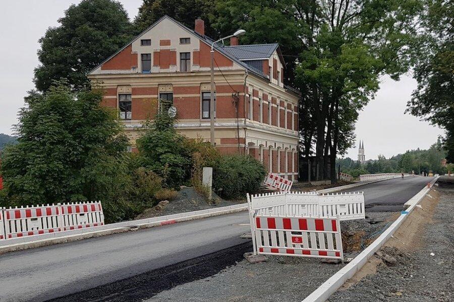 Die Bauarbeiten an der Bundesstraße in Oelsnitz sind weit fortgeschritten.
