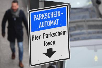 """Parkschein lösen? Bis 9. Januar nicht auf Stellplätzen in der Plauener Parkzone """"Zentrum 1""""."""