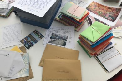 Post, die Bewohnern von Senioren- und Pflegeheimen in Zwickau Mut machen soll.