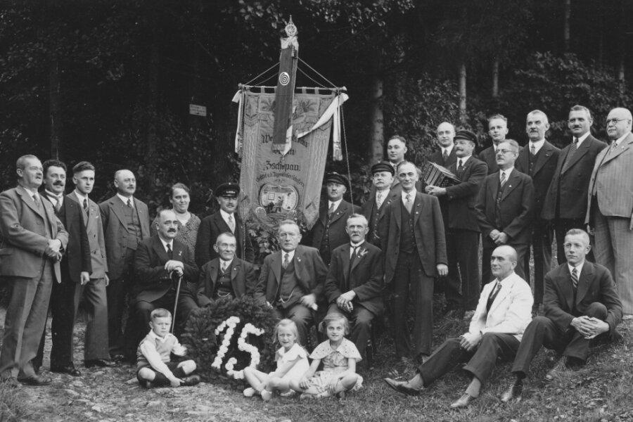 Der Weihnachtsbauverein feierte im Jahr 1935 seinen 15. Geburtstag.
