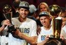 Jason Kidd (r) wurde in die NBA Hall of Fame aufgenommen