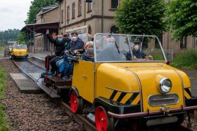 Der Schienentrabi ist startklar, die ersten Fahrten ab Rochlitz sollen Ende April stattfinden - wenn es die Pandemie zulässt.