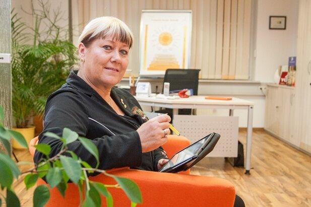Heike Fischer in den Räumen der Firma tradu4you in Chemnitz.
