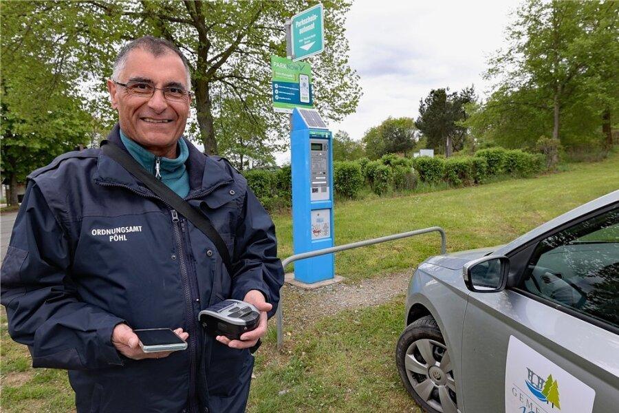 Der langjährige Pöhler Gemeinderat Andreas Seidel (CDU) kontrolliert neuerdings Parkplätze rund um die Talsperre Pöhl.
