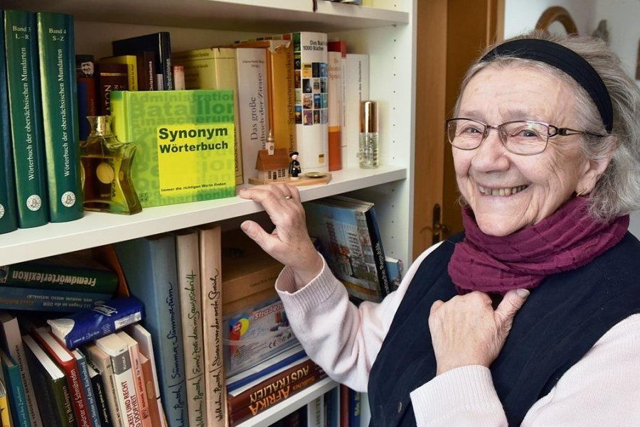 Franziska Böhm zählt zu den gestandenen Mundartautoren des Erzgebirges. Sie begründete nach der Wende die regelmäßigen Treffen der Schreiber, aber auch der Musikanten. Die Breitenbrunnerin leitete verschiedene Gruppen und hat eine Vielzahl Texte und Gedichte in Erzgebirgisch verfasst.