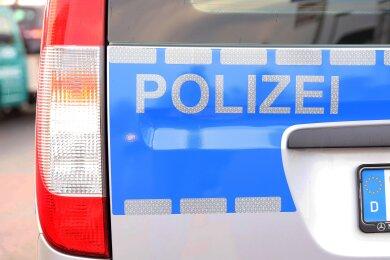 Erneut sind in Zwickau vier Pkw aufgebrochen worden.