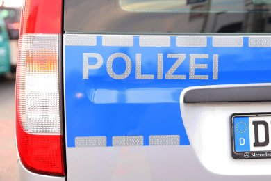 Dreimal haben unbekannte Einbrecher in Bad Elster an der Unteren Bärenloher Straße in der Nacht zum Dienstag zugeschlagen.