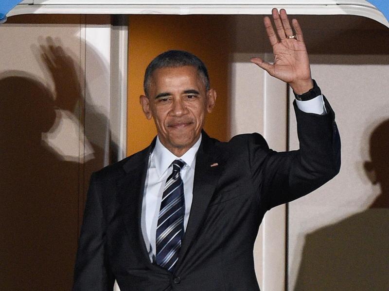 Ankunft zum Abschiedsbesuch: US-Präsident Barack Obama trifft auf dem Flughafen Tegel ein.