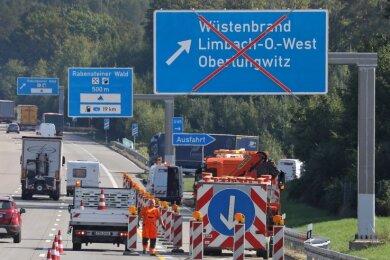 Die Abfahrt Wüstenbrand aus Richtung Erfurt ist am Dienstagvormittag gesperrt worden.