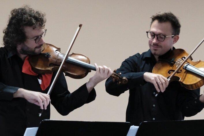 Armand Kaminski aus Frankreich und Krzysztof Komendarek Tymendorf traten im Veranstaltungsforum in Reichenbach auf.