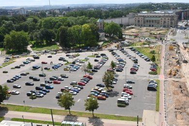 Der Parkplatz an der Johanniskirche muss wegen Bauarbeiten und Ausgrabungen gesperrt werden.