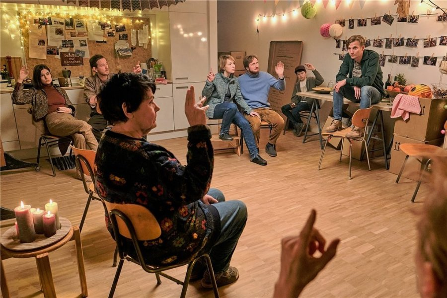 """Basisdemokratische Abstimmung in """"Das ist unser Haus""""."""