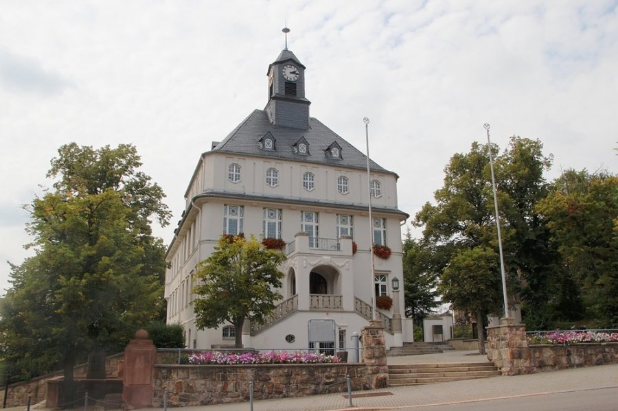Das Rathaus Lugau.