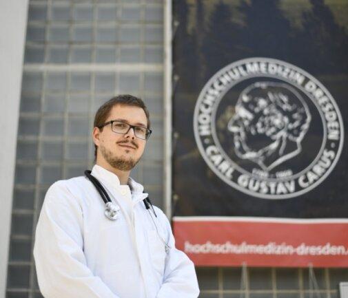 Das Medizinisch-Theoretische Zentrum, das zum Dresdener Universitätsklinikum gehört, ist seit drei Semestern die zweite Heimat von Medizinstudent Eric Leitert. Der Harthaer wird durch ein Programm des Landkreises unterstützt.