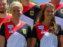 Annika Schleu (l.) gewann mit Ronja Steinborn WM-Silber