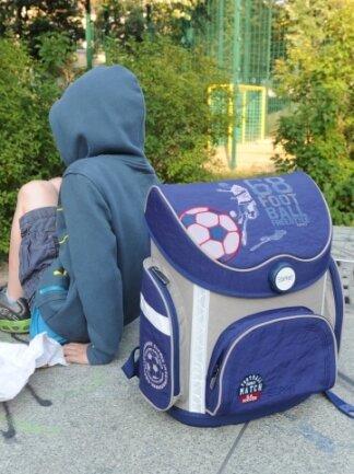 In Deutschland besteht Schulpflicht, dagegen verstoßen Schulschwänzer. Verantwortlich sind die Eltern.