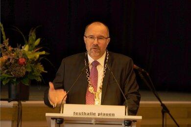 Steffen Zenner ist neuer Oberbürgermeister der Stadt Plauen. Seine bisherige Stelle als Bürgermeister des Geschäftsbereiches I im Rathaus, unter anderem zuständig für Schulen, Sport und Kultur - ist nun neu zu besetzen. Die Wahl durch den Stadtrat soll am 28. September erfolgen.