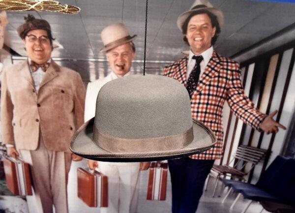 """Der Hut von Egon Olsen in der Sonderausstellung """"Mächtig gewaltig. Die Olsenbande"""" im Filmmuseum in Potsdam."""