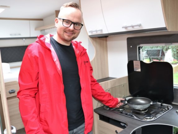 Der 31-Jährige Marcus Kunath aus dem Eppendorfer Ortsteil Großwaltersdorf betreibt seit November 2019 eine Wohnmobil/Caravan-Vermietung und verkauft auch solche Fahrzeuge.