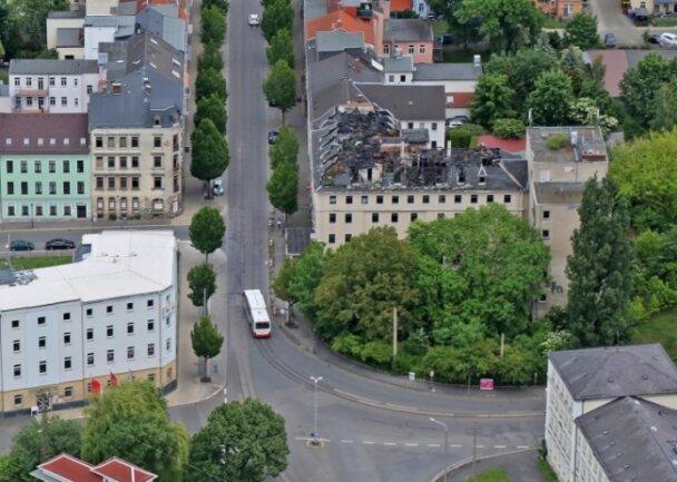 Die Innenstadttangente soll quer von rechts (Straße Am Bahnhof) nach links (Spiegelstraße) verlaufen. Wenn das Hotel Wagner (Mitte) stehen bleibt, ist dafür schon eine sehr große Kurve nötig.