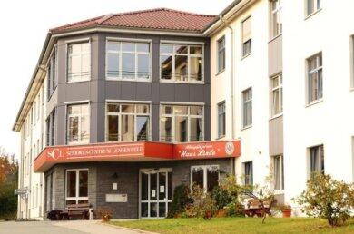 Das Senioren-Pflegeheim Haus Linde in Lengenfeld, in dem es einen Corona-Ausbruch gegeben hatte.