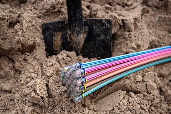 Mi Glasfaserkabel geht es zügiger: In Sachsen hapert es aber noch mit dem schnellen Internet.