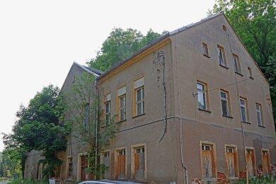 Das ehemalige Ferienlager in Schönau ist zur Ruine verkommen und wird im Oktober zwangsversteigert.