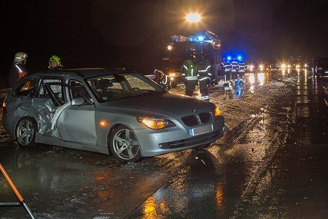 Zwei Unfälle bei Schneeglätte auf der Autobahn 72