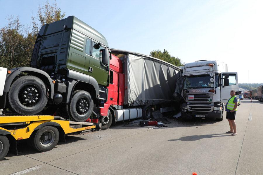 Lkw-Unfall führt zu langem Stau auf der A4