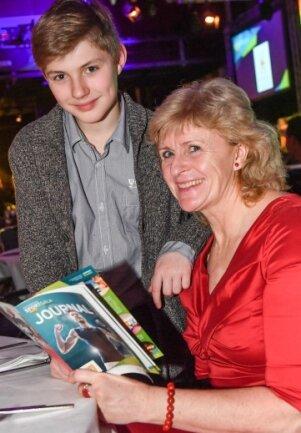 Frank ErlbeckFrank Erlbeck - Gabi Kohlisch mit ihrem Neffen Martin, ein junger Gewichtheber.
