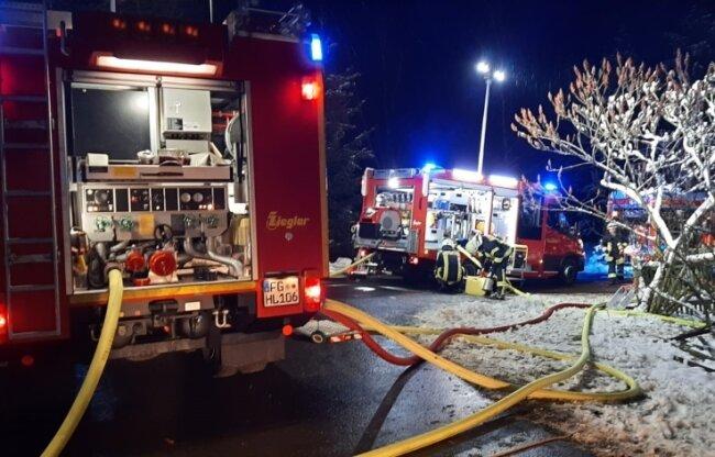 Insgesamt sieben Feuerwehren mit zehn Fahrzeugen waren am Ort des Geschehens.