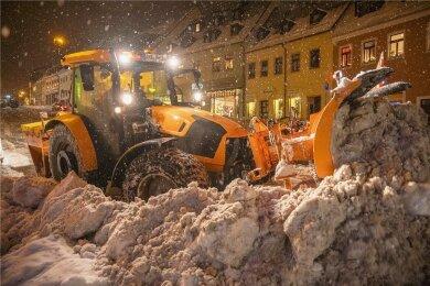 Die Schneeberäumung in Annaberg-Buchholz geht ab Mittwoch weiter.