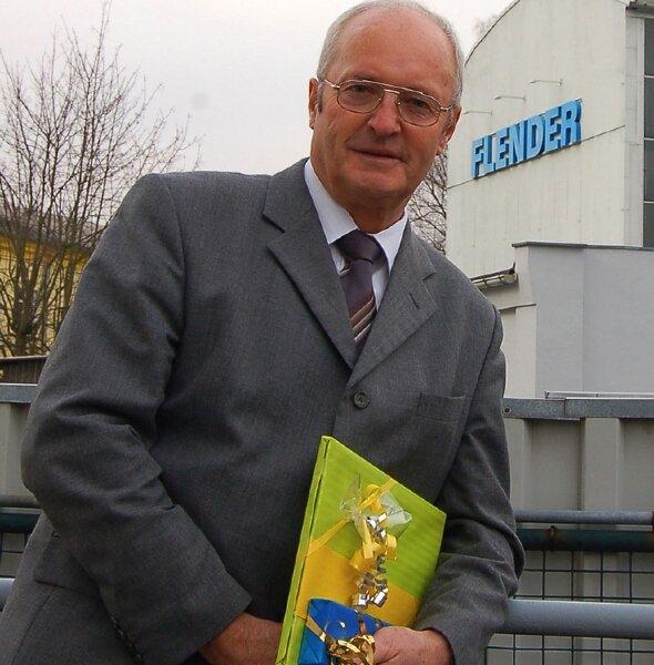 Werner Leuthen arbeitet seit über 50 Jahren bei Flender und feierte gestern seinen 65. Geburtstag.