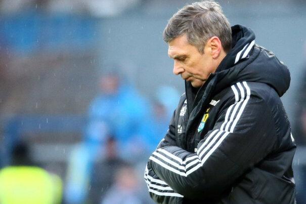 Im Kieler Regen stehen gelassen: CFC-Trainer Karsten Heine war nach der 2:5-Niederlage bedient.