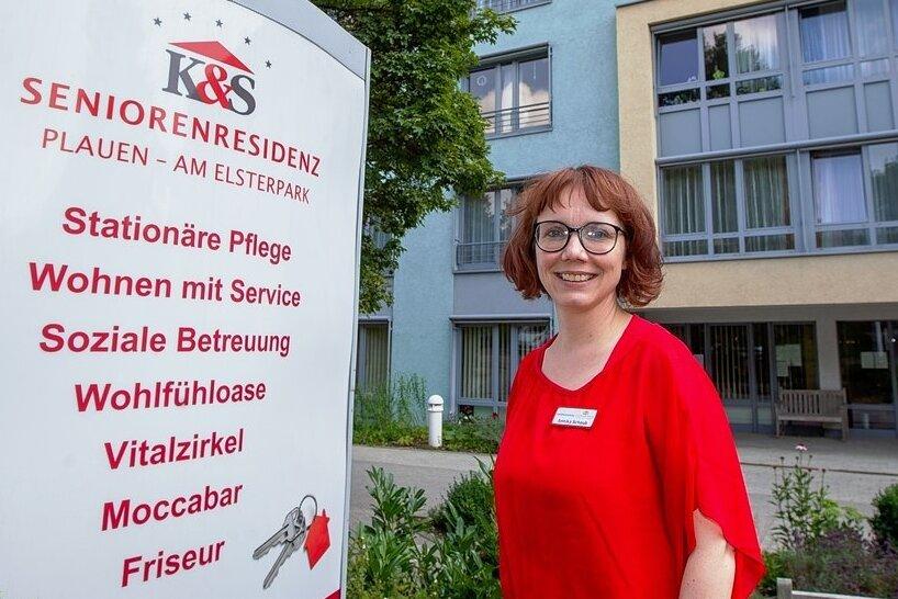 """Annika Schaub ist seit 2018 Leiterin der K&S-Seniorenresidenz """"Am Elsterpark"""" in Plauen. Die Diplom-Kauffrau, Jahrgang 1979, und verantwortlich für 157 Bewohner, 140 Mitarbeiter und 18 Lehrlinge."""