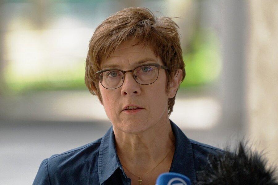 Annegret Kramp-Karrenbauer, Bundesministerin der Verteidigung (CDU)