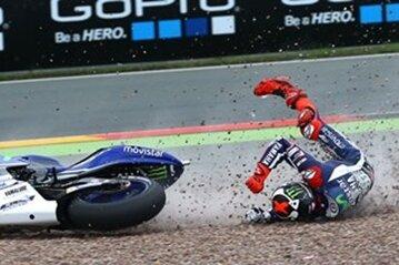 Weltmeister Jorge Lorenzo stürzte im Training in der Kurve elf.