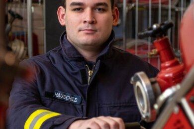 Für Niklas Hauschild, stellvertretender Wehrleiter in der Seelitzer Ortswehr Bernsdorf, stand schon als Kind fest, dass er sich einmal in den Feuerwehrdienst stellen möchte.