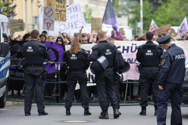 Protest gegen die Veranstaltung der Abtreibungsgegner.