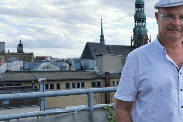 Tyll Krüger auf Heimatbesuch. In der Muldestadt ist er unbekannt, in Polen ein Corona-Fachmann.