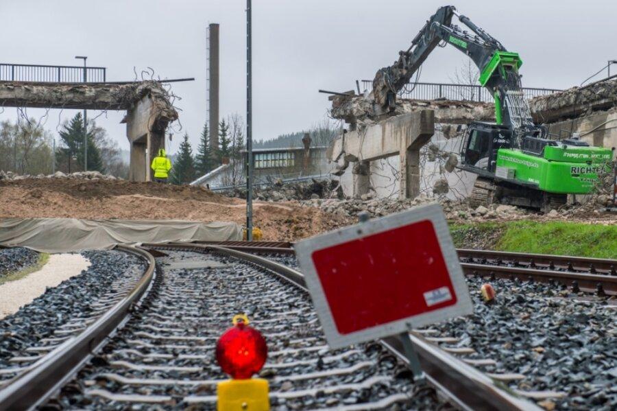 Pachthausbrücke wird im Akkord abgerissen
