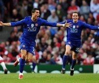 Cristiano Ronaldo (l.) steht mit Manchester im Finale der Champions League