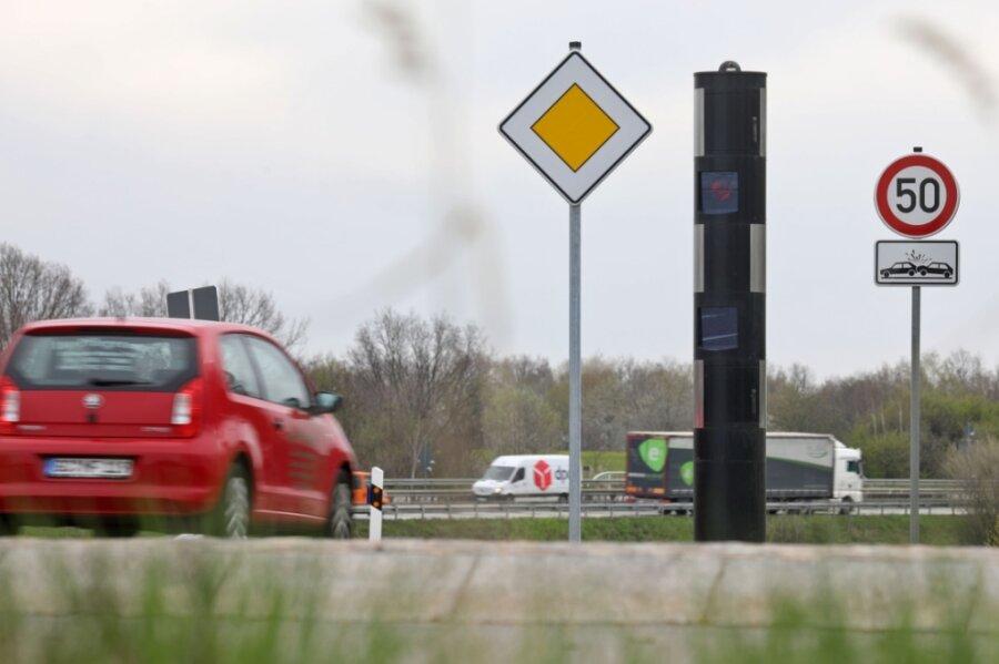 Der Blitzer an der Staatsstraße 288 bei Höckendorf ist seit Ende März dieses Jahres in Betrieb.